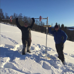 IPF champion Erik Røen warming up on Hessdalen in his backyard