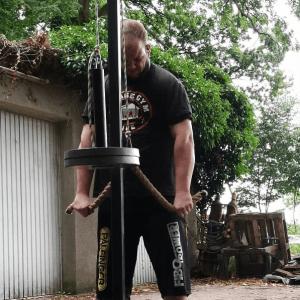 Marcbewegtschwereszeug using a homemade tricep push down